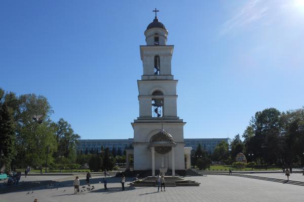 Diario Chisinau 3 – Un bambino affettuoso e una strana colazione