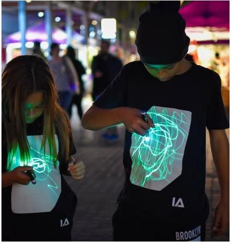 Maglietta luminosa